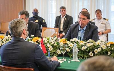 Bolsonaro destaca relación del Brasil con Paraguay