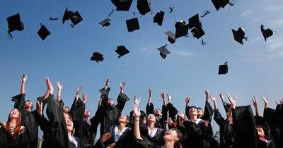 La Nación / Graduaciones de bachilleres serán sin bailes, brindis ni cena y solo en horario diurno