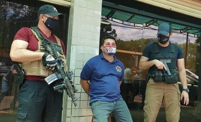 HOY / CDE: detienen a funcionario municipal que traficaba armas para el Comando Vermelho