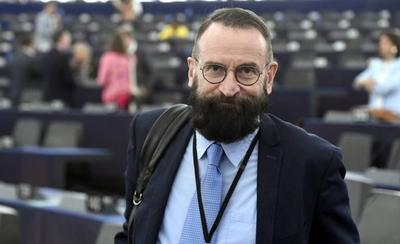 HOY / Pillan a eurodiputado en una orgía ilegal en Bruselas
