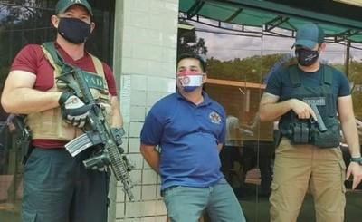 Funcionario municipal detenido por vínculo con tráfico de armas