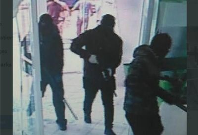 Asaltan banco con rehenes, tiros y explosivos en el interior de Brasil