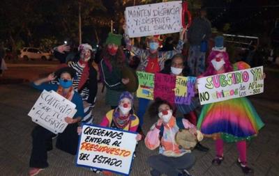 """HOY / Artistas repudian ninguneo de Hacienda y Cultura en pago de subsidios: """"Siga participando"""""""