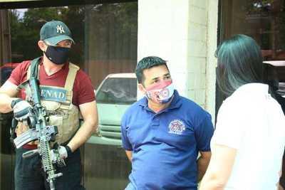 Capturan a funcionario municipal buscado por tráfico de armas
