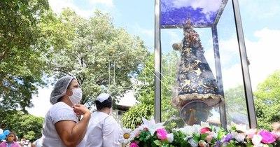 La Nación / Virgen Peregrina de Caacupé lleva luz de esperanza y fe al Ineram