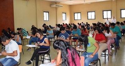 La Nación / Enfermería y Obstetricia UNA presta computadoras e internet a estudiantes