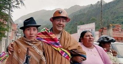 La Nación / Presidente boliviano destituye a ministro que contrató a su exnovia