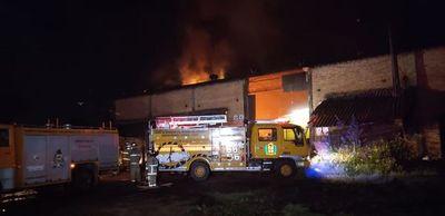 Se registró un incendio en carbonería de Areguá