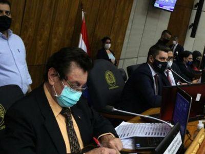 """Altos funcionarios recibieron dinero narco """"en bolsas"""", revela diputado"""