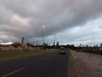 Miércoles cálido con precipitaciones y ocasionales tormentas eléctricas