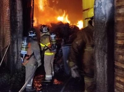 Carbonería es consumida por un incendio en Areguá