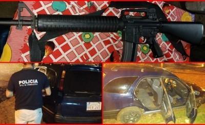 Transportadora asaltada por 20 delincuentes que portaban armas largas
