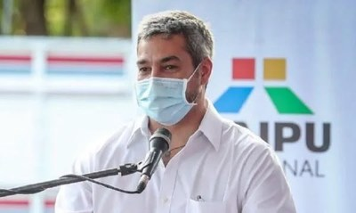 """Mario Abdo: """"Gracias a Dios sigo invicto contra el Covid"""""""