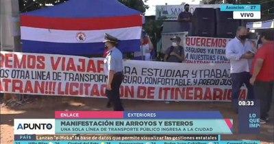 La Nación / Arroyos y Esteros: pobladores se manifiestan y piden ingreso de más líneas de transporte