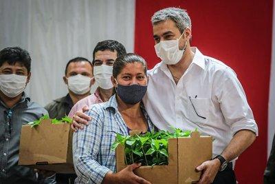 Unas 200 familias de Alto Paraná recibieron insumos para la producción hortícola