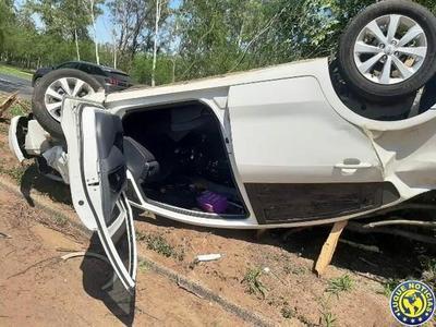 Conductora se salva de morir en vuelco de película en Ñu Guasu •