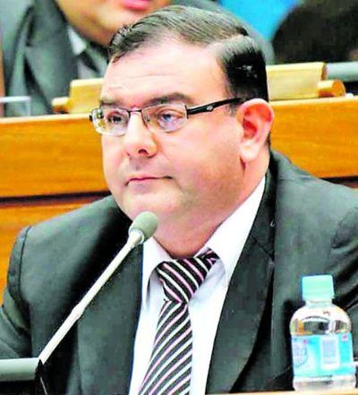 Diputado Tomás Rivas irá a juicio oral por estafa