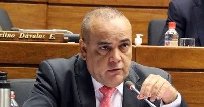 """La Nación / """"Se está entregando recursos a personas que siguen una hoja de ruta mundial"""", dijo Bachi Núñez"""