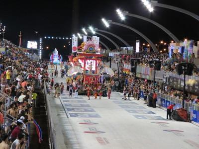 Encarnación: Intendente lamenta falta de apoyo del Gobierno y anuncia suspensión del carnaval