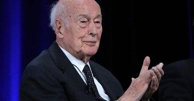 La Nación / El expresidente francés Giscard d'Estaing muere de COVID-19