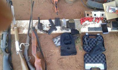 Incautan arsenal y detienen a presunto implicado en robo de un camión
