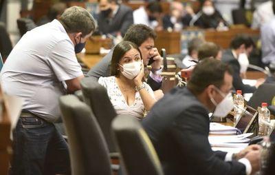 Cartistas y opositores le bajan el pulgar a ministra de Niñez