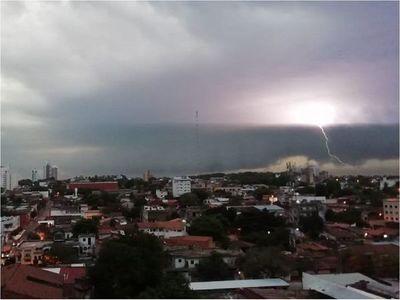 Meteorología pronostica lluvias y tormentas para este jueves