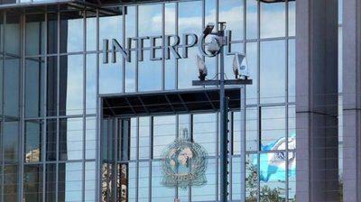 Interpol advierte sobre actividades ilegales en torno a las vacunas
