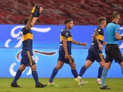 Tévez acerca a Boca a cuartos con un gol dedicado a Maradona