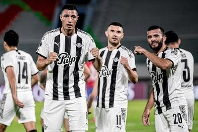 Con doblete de Tacuara Libertad sella su paso a cuartos de la Libertadores
