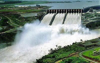 """""""Paraguay tiene la 2ª hidroeléctrica más grande del mundo, pero aún cocina a leña"""", afirma el PNUD"""