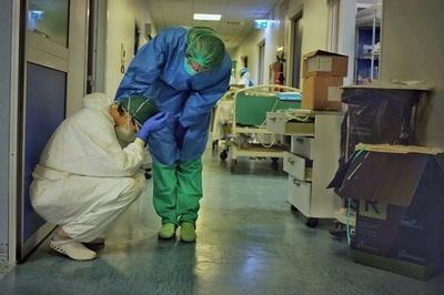 Médicos y enfermeros sufren ansiedad y estrés, afirman