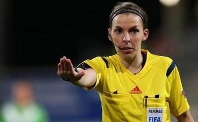 Stéphanie Frappart, la primera mujer en arbitrar un partido de Champions