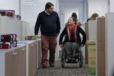 Acceso laboral y a educación, las principales barreras que afrontan personas con discapacidad