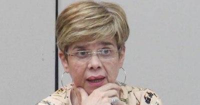La Nación / Prohíben a Desirée Masi ejercer violencia via redes sociales