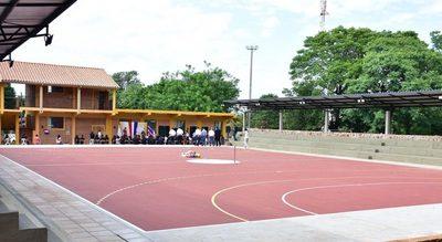 Gobernación de Misiones inauguró dos pistas deportivas en Colegio y Escuela