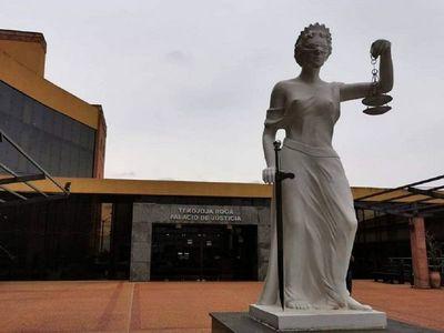 Estudiantes promueven amparo judicial contra facultades de la UNI