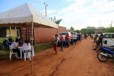 En total, serán G 405.500.000 los entregados a 811 vendedores ambulantes en Caacupé