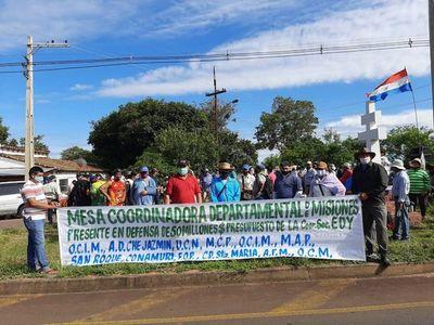 Campesinos rechazan inclusión de fondos de la EBY en el PGN
