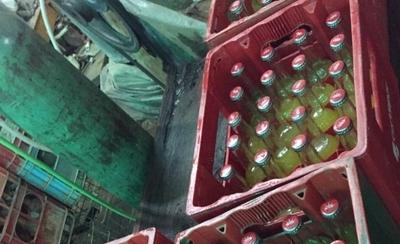 HOY / Peligro para consumidores: Fábricas de refrescos mau operan en condiciones insalubres