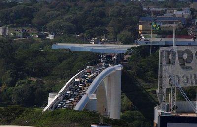 CDE: Comerciantes solicitarán congelar deudas si cierran frontera por toque de queda en Foz
