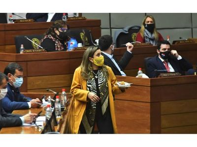 Marito desestabiliza su propio gobierno, afirman opositores