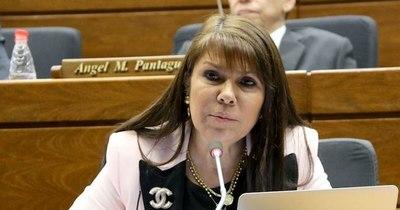 La Nación / Celeste Amarilla daba suero con sabor a leche a niños, denuncian