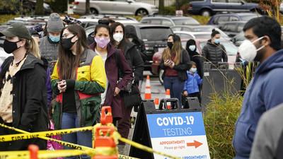 EE.UU. reporta un nuevo récord de contagios con coronavirus, con más de 225.000 casos en un día