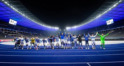 Hertha de Omar Alderete ganó y escala en la Bundesliga