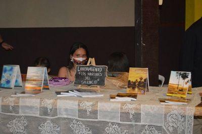 Tumpling lanza su cuarto libro en Puerto Antequera