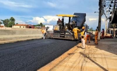 Multiviaducto: Pavimentan colectoras para descongestionar tránsito