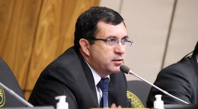 """Compras en Salud: """"Es un fracaso"""" dicen en Senado e interpelarían a Mazzoleni"""