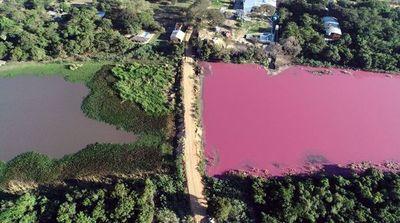 Laguna Cerro: se desmoronó el camino que separaba el área sana del área contaminada