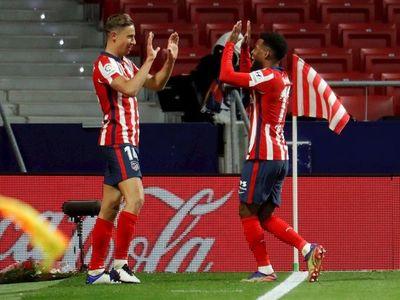 Lemar y Llorente le dan el liderato al Atlético de Madrid